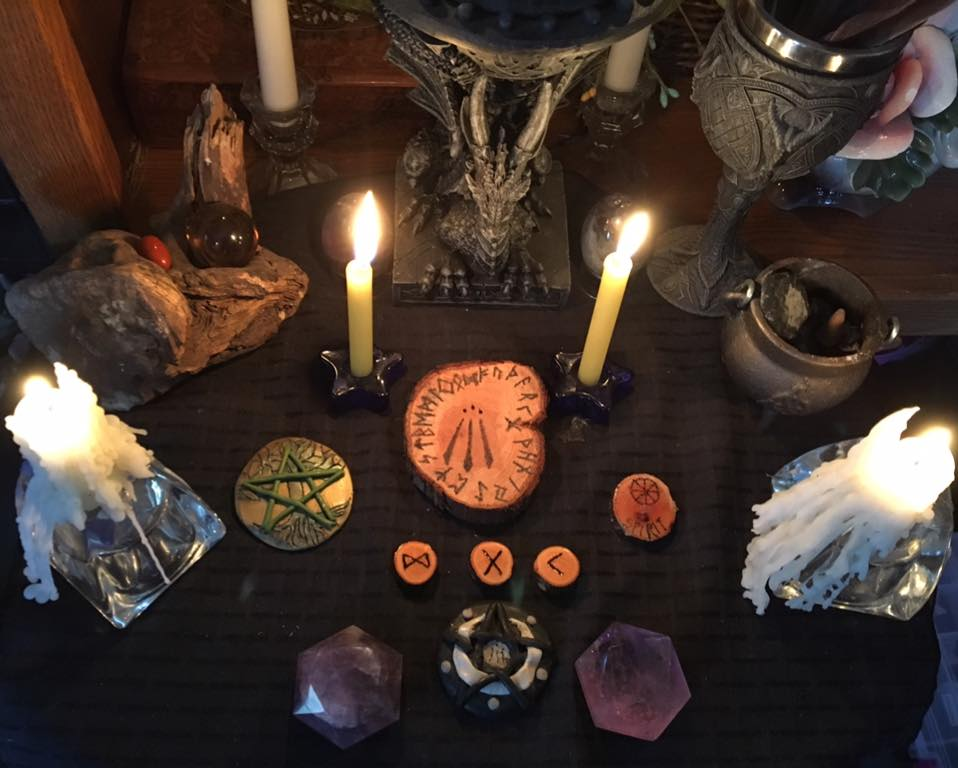 The Awakening Self ~ Runecasting for 22 March 2017